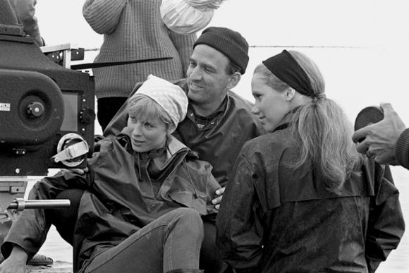 """Bibi Andersson, Ingmaras Bergmanas ir Liv Ullmann filmuojant """"Personą"""""""
