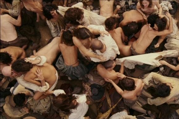 """""""Kvepalai"""", rež. Tom Tykwer, 2006"""