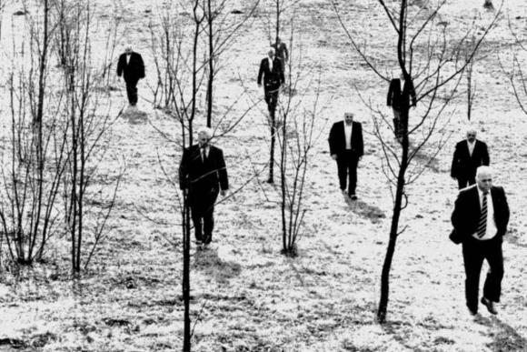 """Kadras iš filmo """"Už mūsų ir jūsų mirtį"""" (rež. Jevgenijus Jufitas)"""