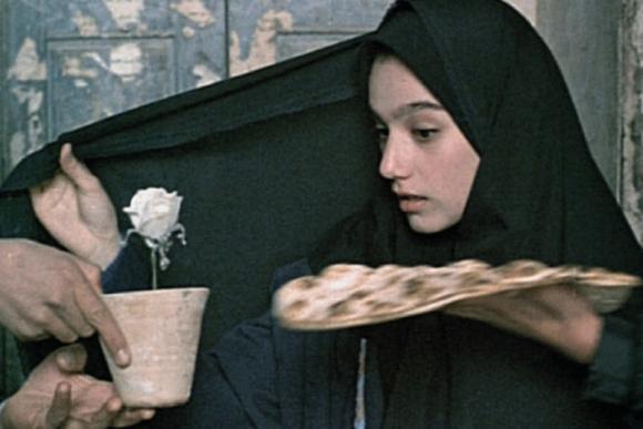 """Nekaltumo akimirka"", rež. Mohsen Makhmalbaf, 1996"